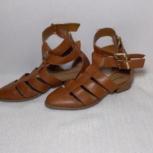 Breckelle's brown strap sandals size 8.5